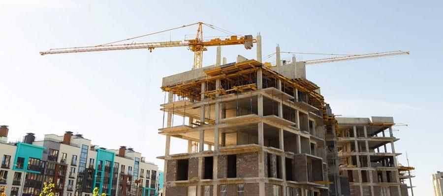 budynek mieszkalny w czasie budowy
